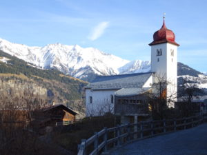 Kirche Luven mit Kapelle