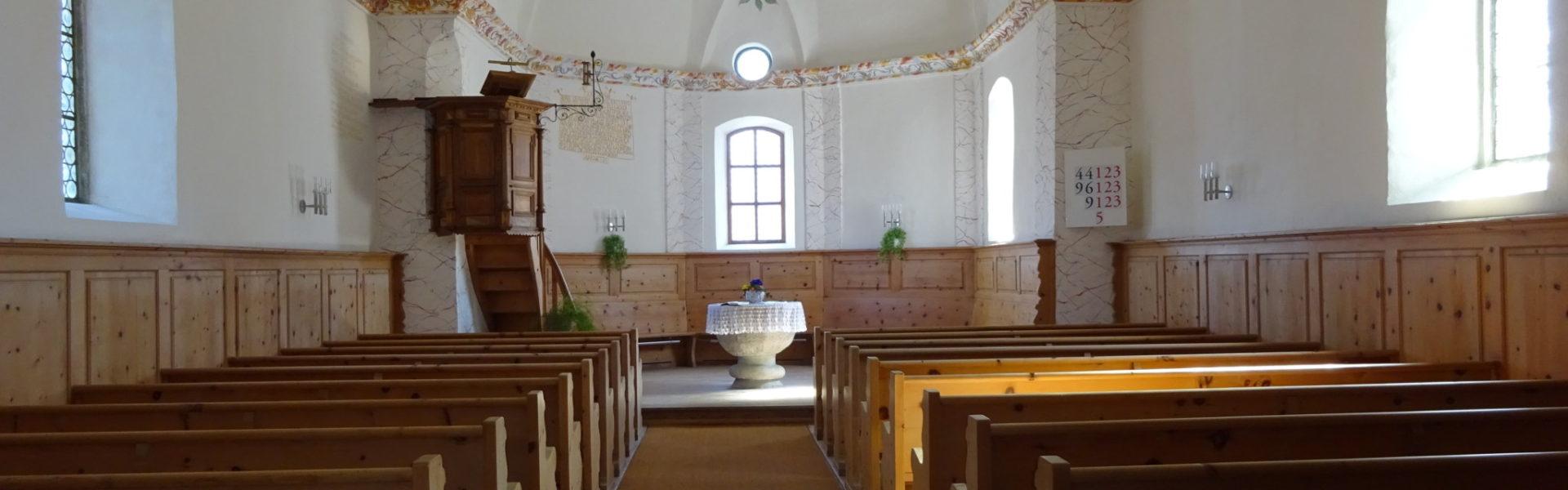 Der Taufstein in der Luvener Kirche
